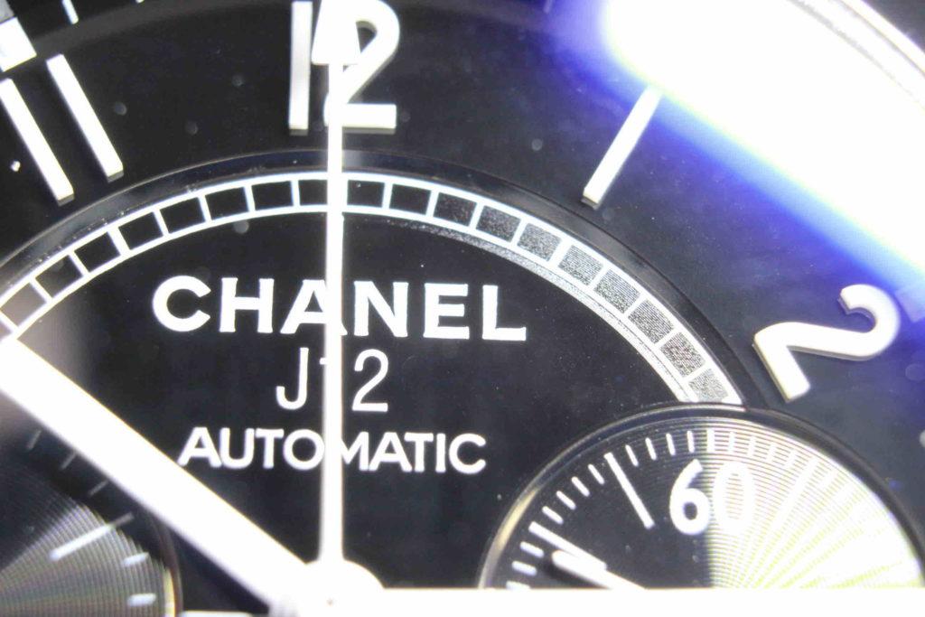 シャネル j12 H0940 Eの文字